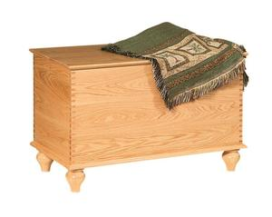 Amish Gladwin Oak Deep Storage Hope Chest with Tulip Foot
