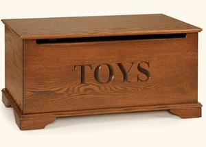 Amish Roswell Made Oak Toy Chest