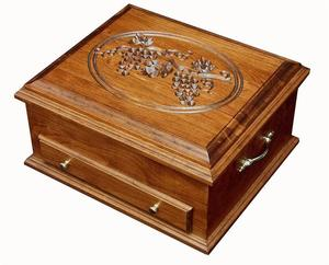 Amish Hardwood Silverware Chest with Grapes Lid
