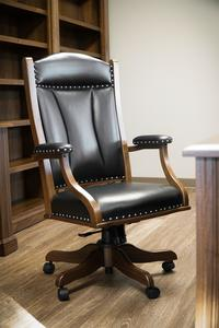 Amish Berlin Executive Desk Chair