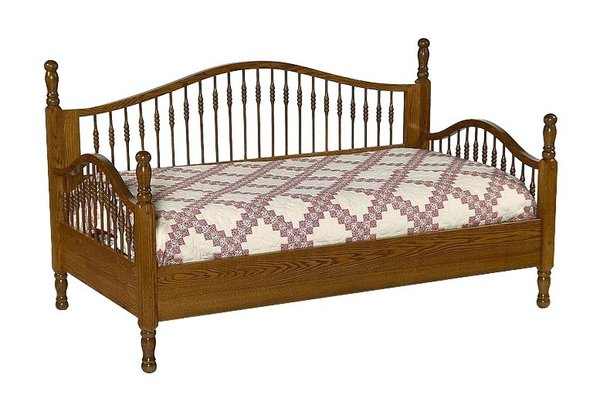Amish Solid Wood Spindle Day Bed