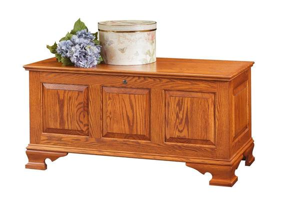 Amish Oak Wood Medium Classic Panel Hope Chest