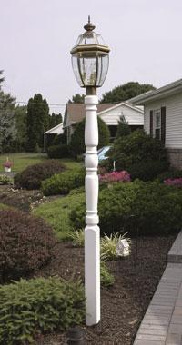 Amish Vinyl Traditional Lamp Post