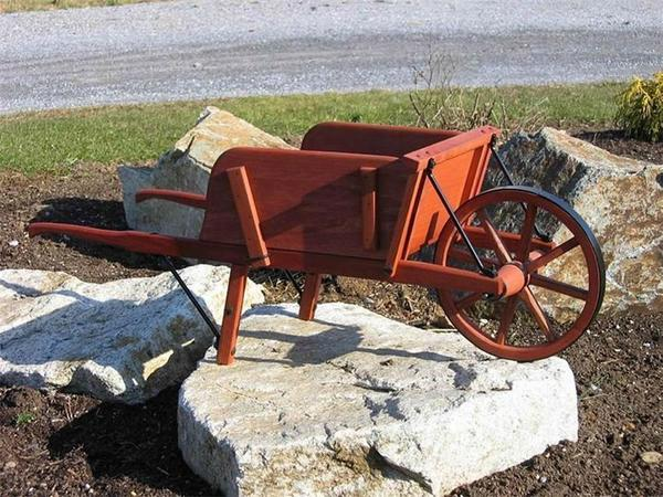 Amish Old Fashioned Wheelbarrow - Small Rustic