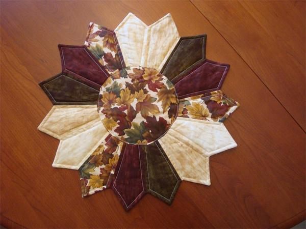 Amish Quilted Table Center - Medium Lone Star Gold, Green and Burgundy