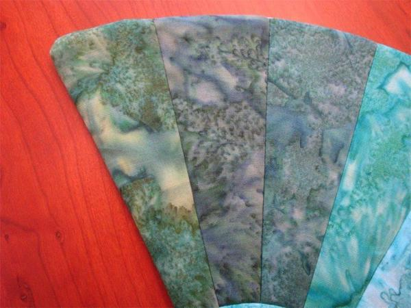 Amish Quilted Fan Hot Pad Green Batik Fabrics In Stock