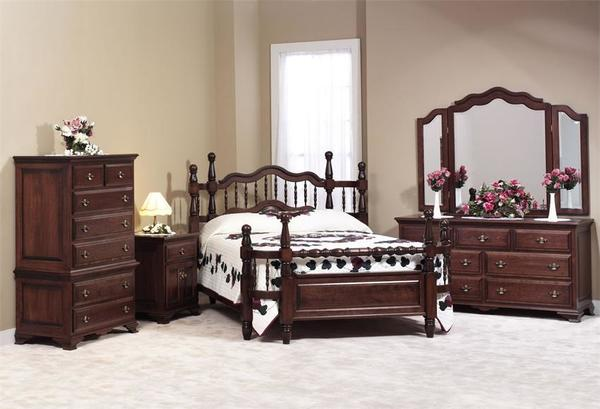 Amish Wrap Around Five Piece Bedroom Furniture Set in Maple Wood