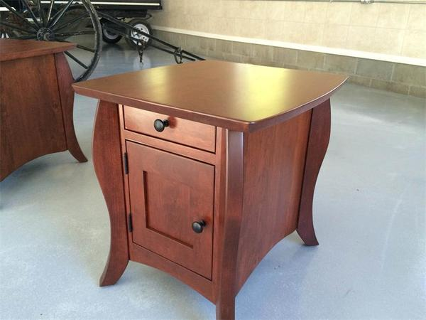 Amish Vienna Large Misson End Table
