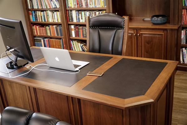 Fabulous Amish Lincoln Executive Desk Home Interior And Landscaping Mentranervesignezvosmurscom