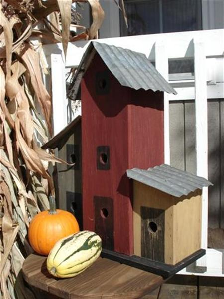 Amish Triple Townhouse Bird House with Tin Roof