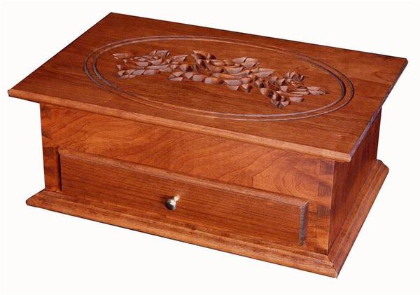 Amish Hardwood Standard Jewelry Chest with Rose Lid