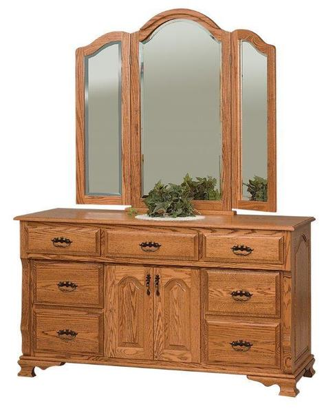 Amish Classic Heritage Dresser with Seven Drawers and Two Doors