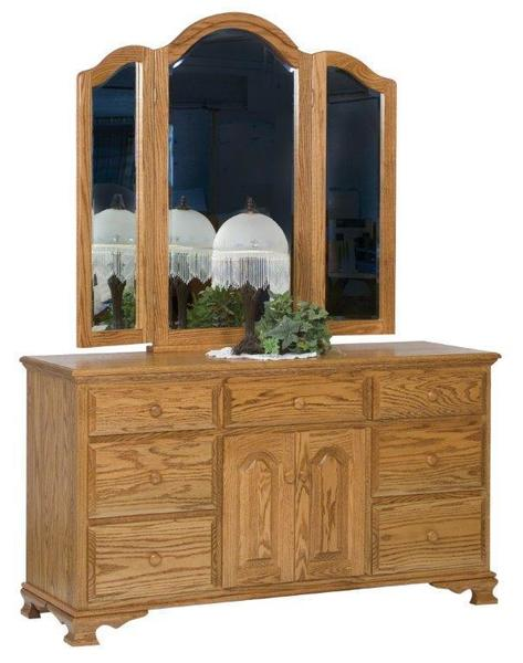 Amish Heritage Dresser with Seven Drawers and Two Doors