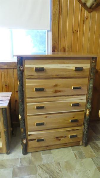 Amish Rustic 5-Drawer Chest