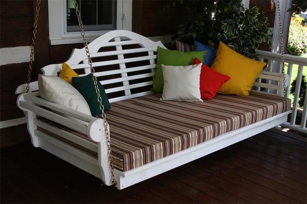 "Amish Pine Wood 75"" Marlboro Swing Bed"