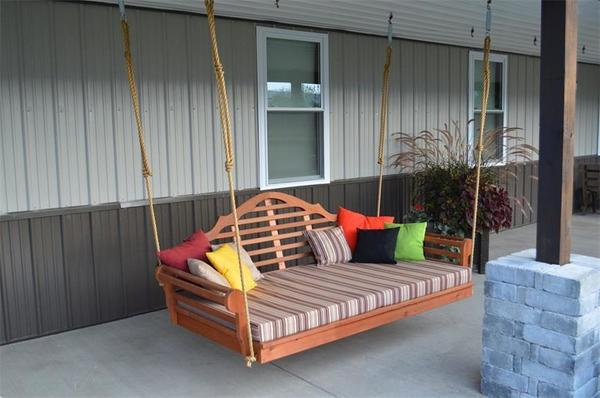 "Amish Pine Wood 75"" Marlboro Swing Bed"