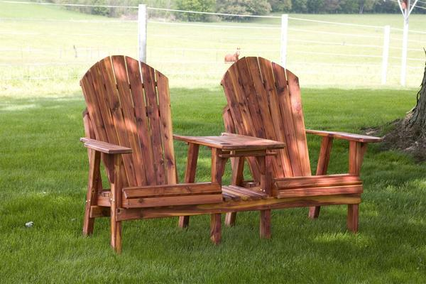 Amish Cedar Wood Lounge Chair/Table Combo