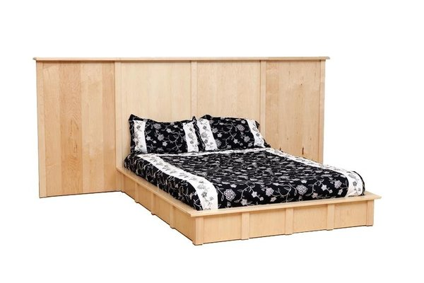 Amish Boston Bed with Wings