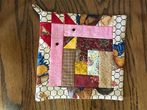 Amish Quilted Chicken Design Pot Holder