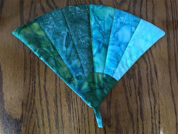 Grandmothers Fan Quilt Design Pot Holder