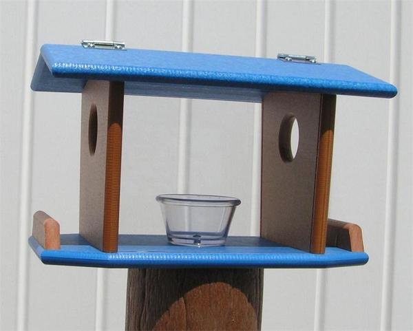 Poly Post Mount Bluebird Feeder