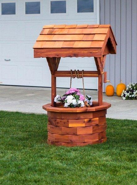 Amish Cedar Large Ornamental Wishing Well