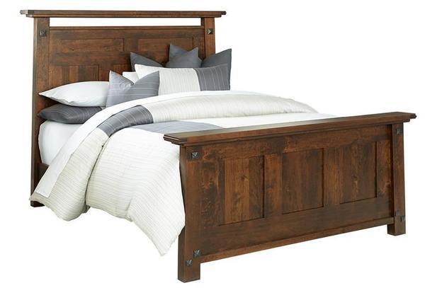 Amish Encada Rustic Bed