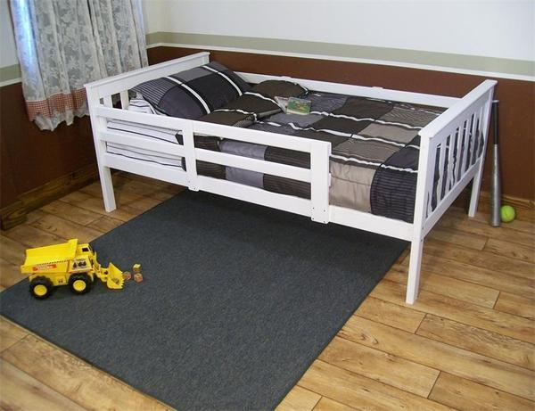 DutchCrafters Kids Twin Mission Bed with Safety Rails