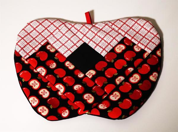 Red Apple Quilted Pot Holder