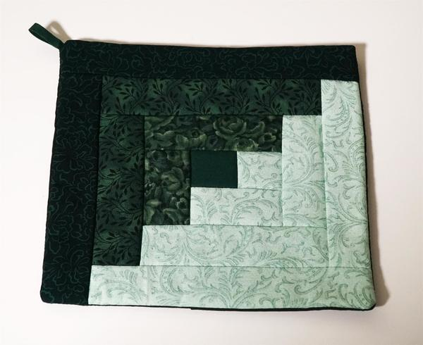 Green Hand Quilted Hot Pad
