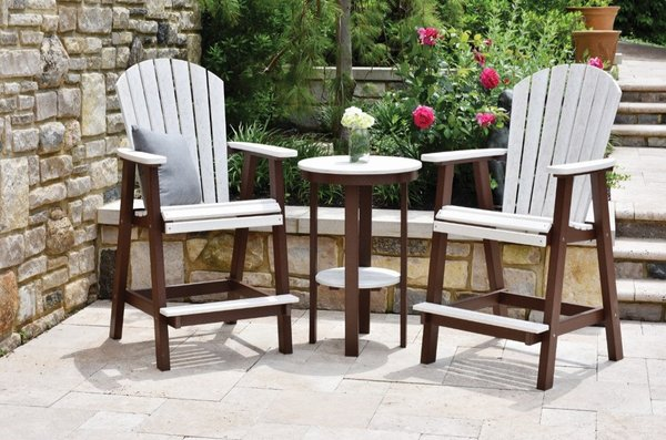 Berlin Gardens Comfo-Back Patio Set shown in seashell and chocolate brown