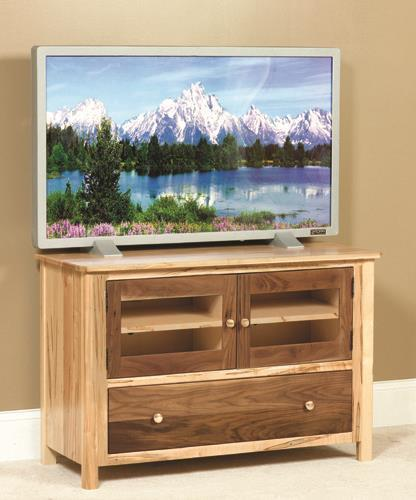 Amish Cornwell Medium TV Stand with Doors