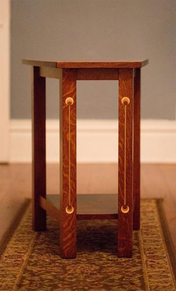 Amish Renwick Wedge End Table