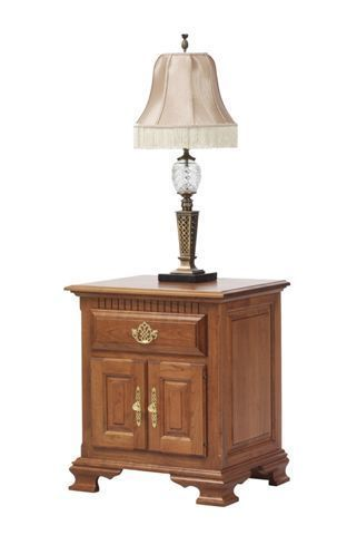 Amish Victoria's Tradition Night Stand with Doors