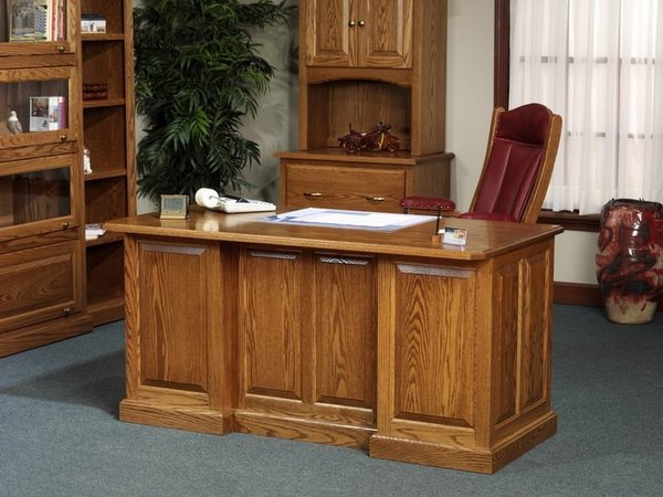 Amish Highland Executive Desk