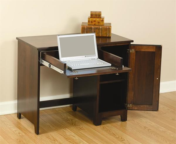 Amish Berlin Economy Desk with Side Door - Quick Ship