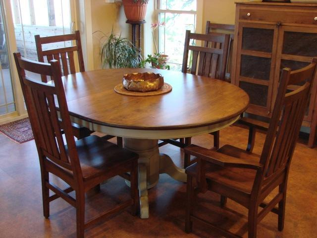 yorktown single pedestal dining table solid wood