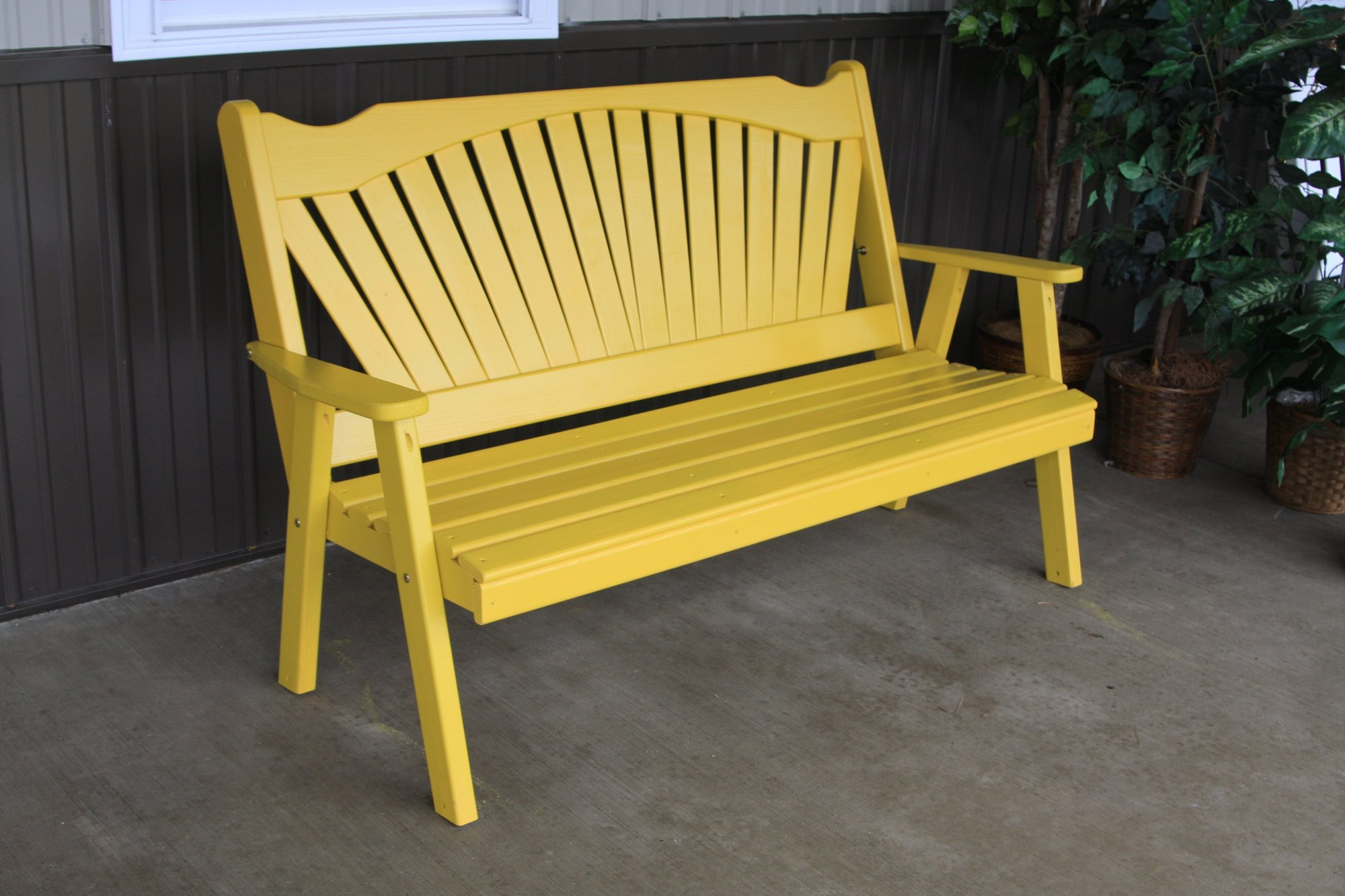 Amish Pine Wood Fanback Garden Bench